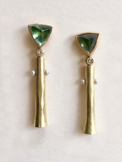 catherine-mannheim_47136269361_o-400x533 Catherine Mannheim Earrings with trumpets and green tourmaline seed pearls