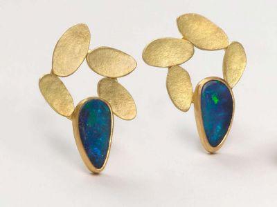 catherine-mannheim_47136269501_o-400x300 Catherine Mannheim Earrings with boulder opal doublets